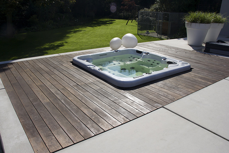 Houten terrassen hoveniersbedrijf john klaassen compleet voor uw tuin - Terras hout picture ...